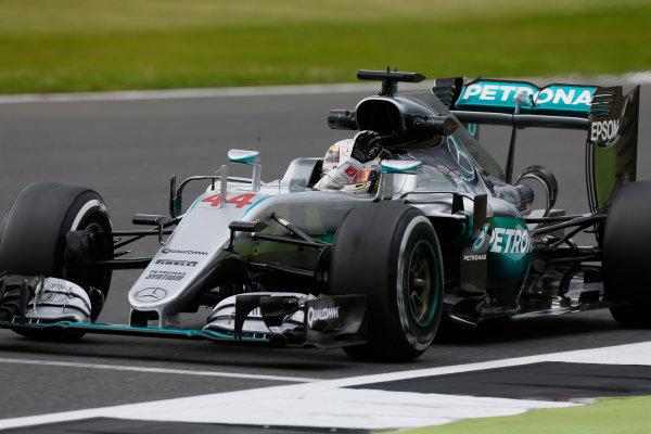 Silverstone, Northamptonshire, UK Friday 08 July 2016. Lewis Hamilton, Mercedes F1 W07 Hybrid, waves to fans. World Copyright: Sam Bloxham/LAT Photographic ref: Digital Image _SBB0233