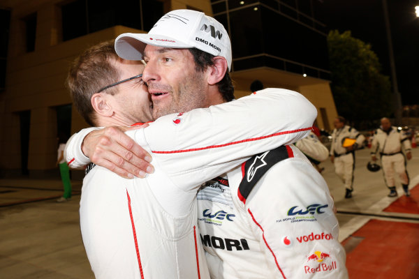 2015 FIA World Endurance Championship Bahrain 6-Hours Bahrain International Circuit, Bahrain Saturday 21 November 2015. Mark Webber (#17 LMP1 Porsche AG Porsche 919 Hybrid celebrates after winning the drivers championship. World Copyright: Alastair Staley/LAT Photographic ref: Digital Image _79P1348