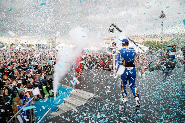 Race. Sebastien Buemi (SUI), Renault e.Dams Z.E.15, Lucas Di Grassi (BRA), ABT Audi Sport FE01, Jean-Eric Vergne (FRA), DS Virgin Racing DSV-01. Paris e-Prix,  Paris, France, Europe. Saturday 23 April 2016 Photo: Adam Warner /LAT/FE ref: Digital Image _L5R7960