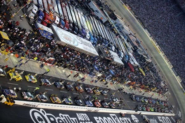 Cars ready for the Race. Sharpie 500, Bristol Motor Speedway, Tennessee, USA, 22-24 August 2008.