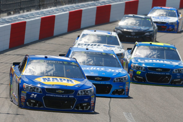 Monster Energy NASCAR Cup Series Toyota Owners 400 Richmond International Raceway, Richmond, VA USA Sunday 30 April 2017 Chase Elliott, Hendrick Motorsports, NAPA Brakes Chevrolet SS and Kyle Larson, Chip Ganassi Racing, Credit One Bank Chevrolet SS World Copyright: Russell LaBounty LAT Images ref: Digital Image 17RIC1Jrl_4938