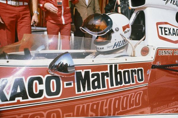 1974 Spanish Grand Prix.  Jarama, Madrid, Spain. 26-28th April 1974.  Denny Hulme, McLaren M23 Ford.  Ref: 74ESP18. World Copyright: LAT Photographic
