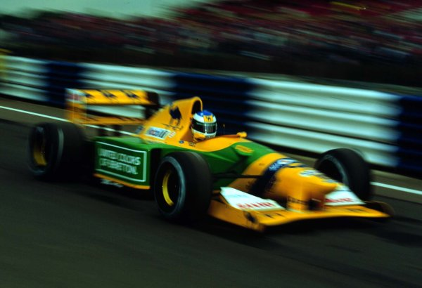 1992 British Grand Prix.Silverstone, England.10-12 July 1992.Michael Schumacher (Benetton B192 Ford) 4th position.World Copyright - LAT Photographic