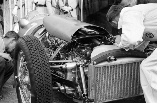 Mechanics work on Peter Walker's BRM P15.