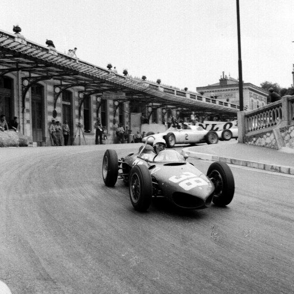 1961 Monaco Grand Prix.Monte Carlo, Monaco.11-14 May 1961.Phil Hill (Ferrari 156) leads Jo Bonnier (Porsche 787) out of tStation Hairpin. Hill finished in 3rd position.Ref-8679.World Copyright - LAT Photographic
