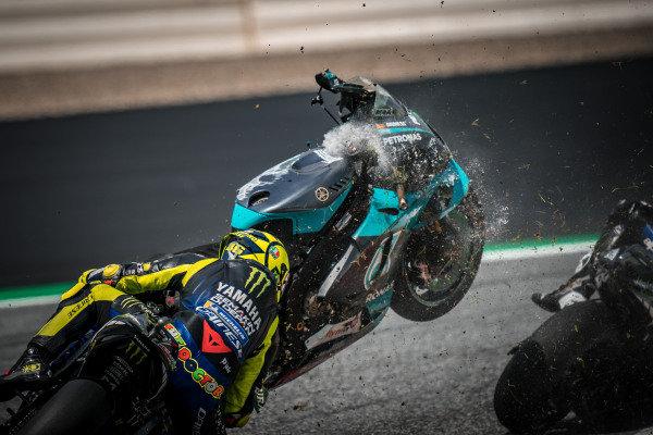 Franco Morbidelli, Petronas Yamaha SRT crash. Valentino Rossi, Yamaha Factory Racing, narrowly avoids being wiped out by the wayward bike
