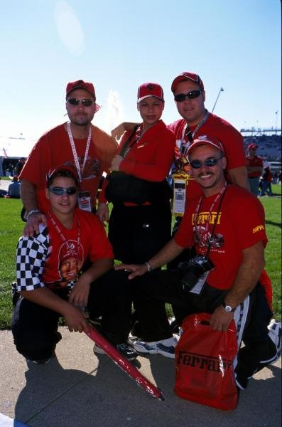 The fans at Indy. American Grand Prix, Indianapolis, USA, 30 September 2001.