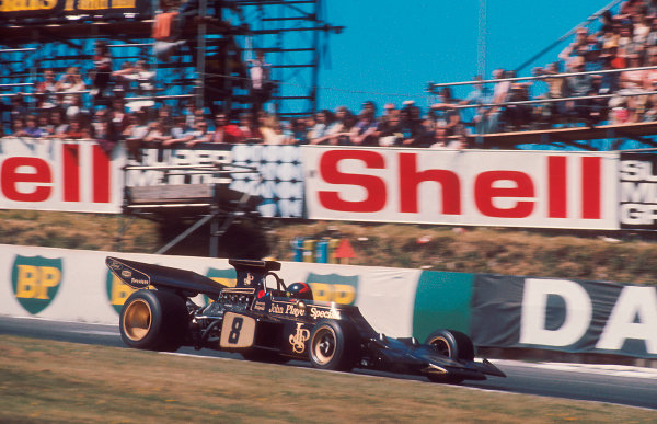 1972 British Grand Prix.Brands Hatch, England.13-15 July 1972.Emerson Fittipaldi (Lotus 72D Ford) 1st position.Ref-72 GB 08.World Copyright - LAT Photographic