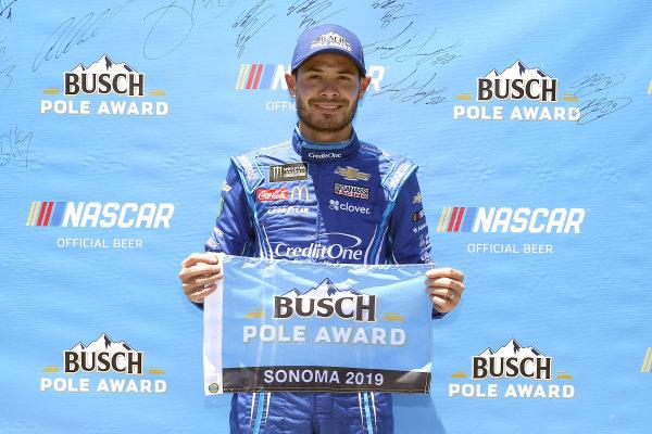 #42: Kyle Larson, Chip Ganassi Racing, Chevrolet Camaro Credit One Bank pole award