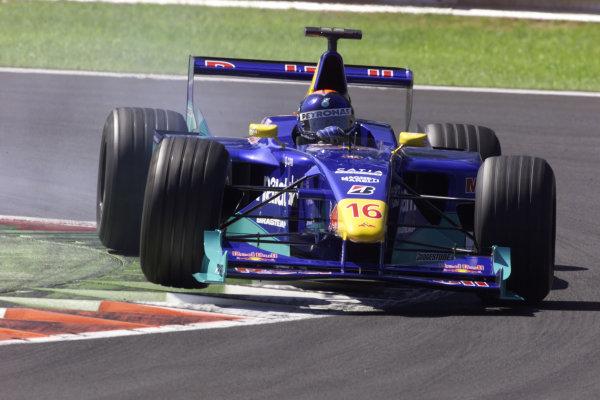 Monza, Italy. 8-10 September 2000.Pedro Diniz (Sauber C19 Petronas) 8th position. World Copyright - LAT Photographic