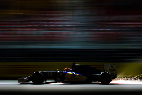 Marina Bay Circuit, Marina Bay, Singapore. Friday 16 September 2016. Felipe Nasr, Sauber C35 Ferrari. World Copyright: Sam Bloxham/LAT Photographic ref: Digital Image _SLA0265