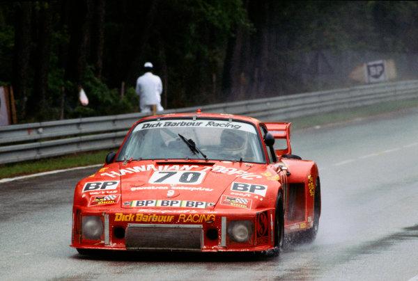 Le Mans, France. 9th - 10th June 1979 Rolf Stommelen/Paul Newman/Dick Barbour (Porsche 935/77A), 2nd position, action. World Copyright: LAT Photographic Ref: 79LM02