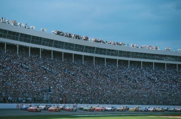 Start of raceNASCAR Winston Cup, Charlotte, USA28 May 2000DIGITAL IMAGE