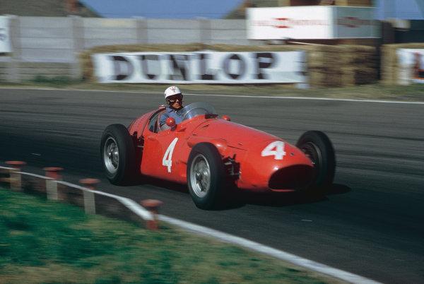 Aintree, England. 14-16 July 1955. Luigi Musso, Maserati 250F, 5th position. Ref: 55GB04. World Copyright - LAT Photographic
