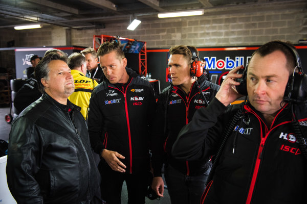 2017 Supercars Championship Round 11.  Bathurst 1000, Mount Panorama, New South Wales, Australia. Tuesday 3rd October to Sunday 8th October 2017. Michael Andretti, Andretti Autosport, James Courtney, Walkinshaw Racing, Ryan Walkinshaw, Walkinshaw Racing. World Copyright: Daniel Kalisz/LAT Images Ref: Digital Image 061017_VASCR11_DKIMG_4720.jpg