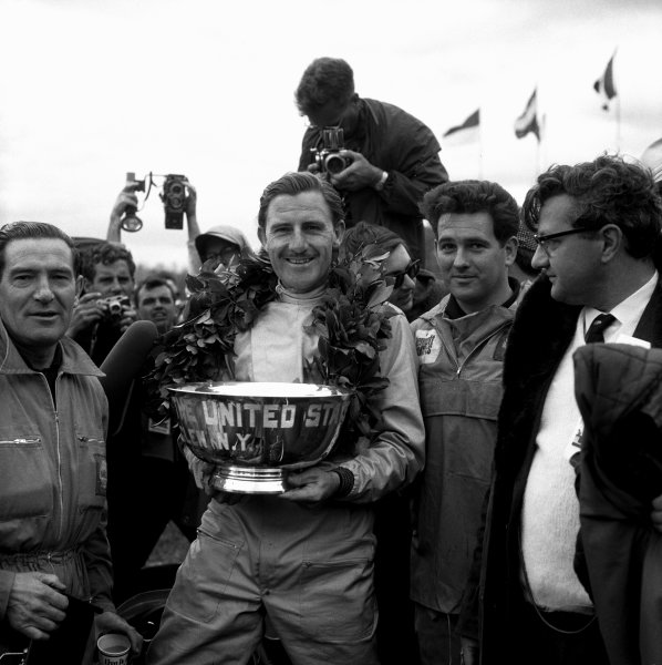 1965 United States Grand Prix.Watkins Glen, New York, USA. 1st-3rd October 1965.Graham Hill, BRM P261, 1st position, podium.World Copyright - LAT Photographic.Ref- 31419.