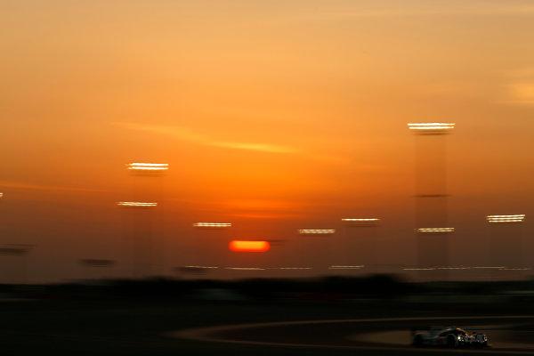2015 FIA World Endurance Championship Bahrain 6-Hours Bahrain International Circuit, Bahrain Saturday 21 November 2015.Timo Bernhard, Mark Webber, Brendon Hartley (#17 LMP1 Porsche AG Porsche 919 Hybrid). World Copyright: Alastair Staley/LAT Photographic ref: Digital Image _R6T0252