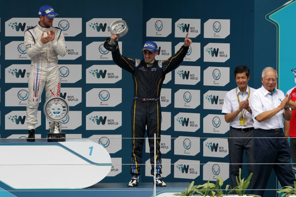 Putrajaya E-Prix, Race. Putrajaya E-Prix, Malaysia - 20th-22nd November 2014. Saturday 22 November 2014. Sebastien Buemi (SWI)/E.dams Renault - Spark-Renault SRT_01E  Photo: Michael Hoyer - Jakob Ebrey/LAT/ Formula E ref: Digital Image EL0G1782