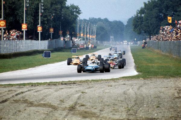 1969 Italian Grand Prix.  Monza, Italy. 5-7th September 1969.  Jackie Stewart, Matra MS80 Ford, leads Jochen Rindt, Lotus 49B Ford.  Ref: 69ITA05. World Copyright: LAT Photographic