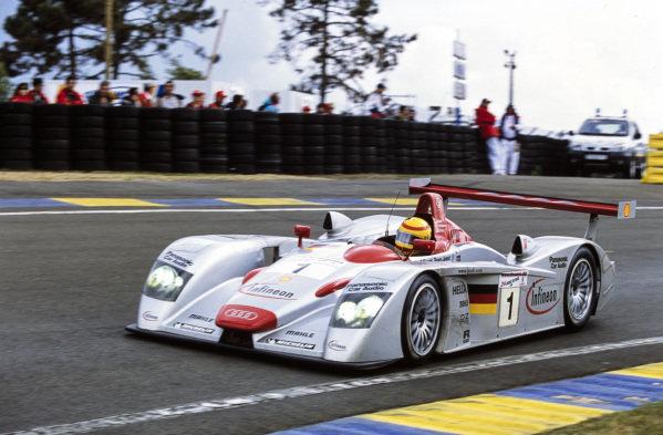 Frank Biela / Emanuele Pirro / Tom Kristensen, Audi Sport Team Joest, Audi R8.