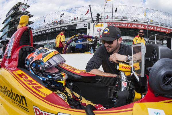 Ryan Hunter-Reay, Andretti Autosport Honda talks to Alexander Rossi, Andretti Autosport Honda