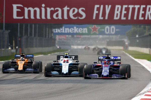 Carlos Sainz Jr., McLaren MCL34, Robert Kubica, Williams FW42 and Daniil Kvyat, Toro Rosso STR14