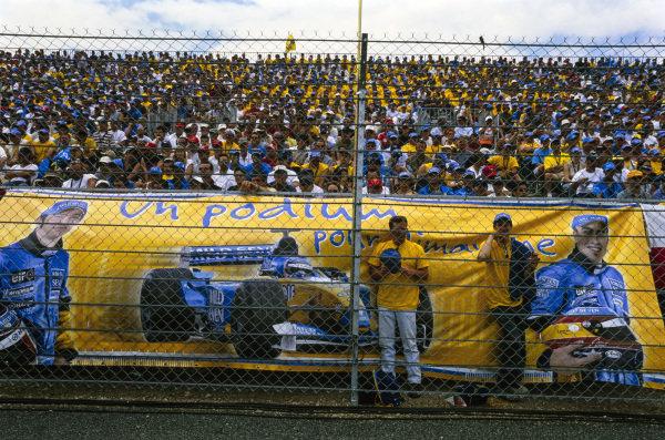 Renault fans.