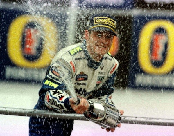 1997 Brazilian Grand Prix.Interlagos, Sao Paulo, Brazil.28-30 March 1997.Jacques Villeneuve (Williams Renault) 1st position.World Copyright - LAT Photographic