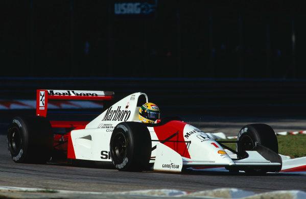 1992 Italian Grand Prix.Monza, Italy.11-13 September 1992.Ayrton Senna (McLaren MP4/7A Honda) 1st position.Ref-92 ITA 09.World Copyright - LAT Photographic