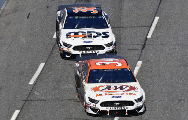 #34: Michael McDowell, Front Row Motorsports, Ford Mustang A&W All American Foods and #38: David Ragan, Front Row Motorsports, Ford Mustang MDS Transport