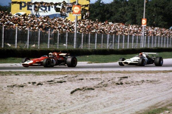 1970 Italian Grand Prix.Monza, Italy.4-6 September 1970.Jacky Ickx (Ferrari 312B) leads Rolf Stommelen (Brabham BT33 Ford). Stommelen finished in 5th position.World Copyright - LAT Photographic