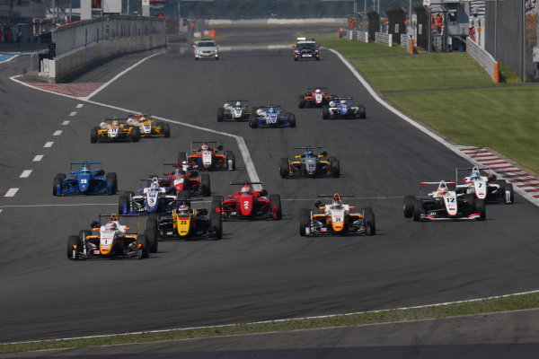 2017 Japanese Formula 3 Championship. Fuji, Japan. 8th - 9th July 2017. Rd 12 & 13. Rd13 Start of the race action World Copyright: Yasushi Ishihara / LAT Images. Ref: 2017JF3_Rd12&13_007
