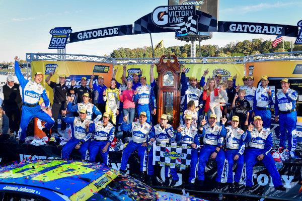 28-30 October, 2016, Martinsville, Virginia USA Jimmie Johnson and team celebrate in victory lane, Sunoco  ?2016, Logan Whitton  LAT Photo USA