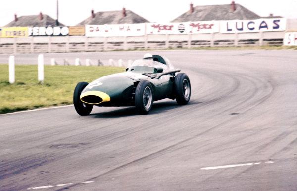 Aintree, England.18-20 July 1957.Stuart Lewis-Evans (Vanwall VW5) 7th position.Ref-57 GB 12.World Copyright - LAT Photographic