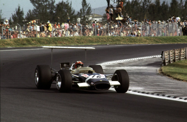 1968 Mexican Grand Prix.Mexico City, Mexico.1-3 November 1968.Jo Siffert (Lotus 49B Ford) 6th position.Ref-68 MEX 19.World Copyright - LAT Photographic