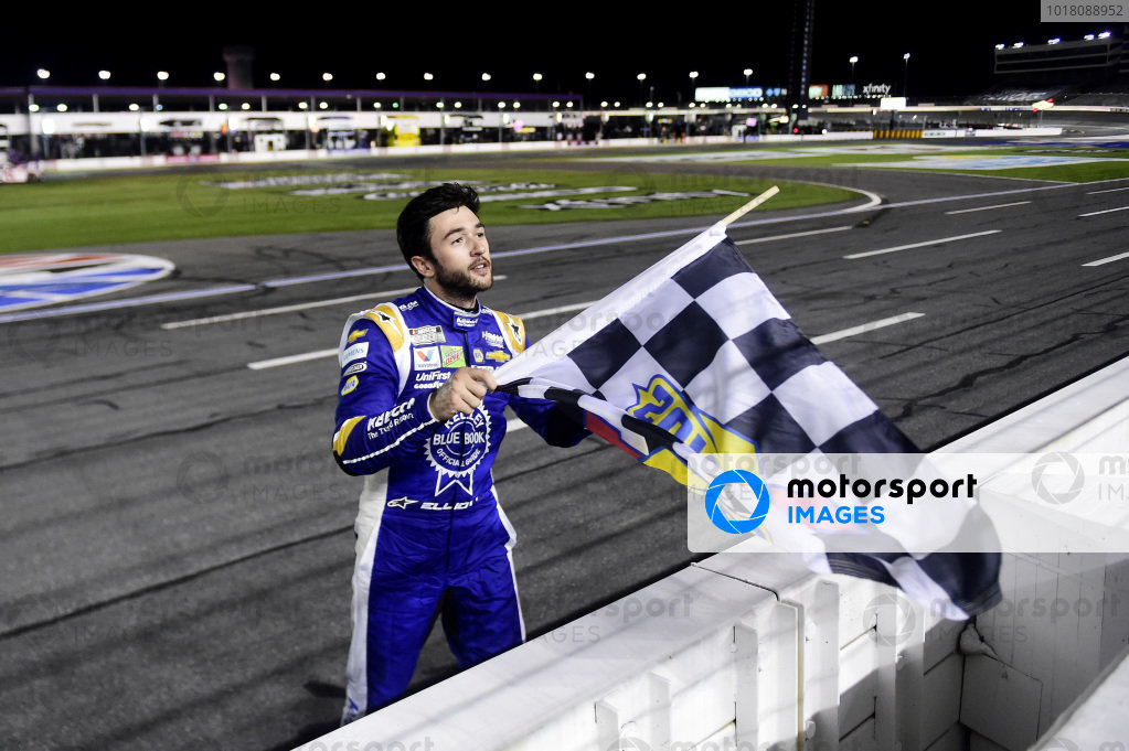 Race winner Chase Elliott, Hendrick Motorsports Chevrolet Kelley Blue Book celebrates Copyright: Jared C. Tilton/Getty Images