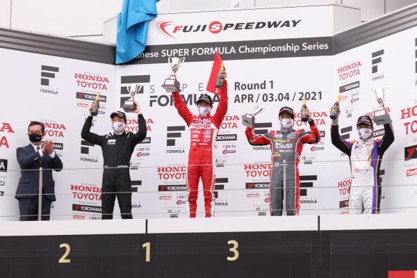 Rd2 winner Ren Sato, TODA FIGHTEX,Teppei Natori, Byoubugaura B-MAX Racing 320, 2nd and Seita Nonaka, TOM'S TAZ31, 3rd, celebrate on the podium