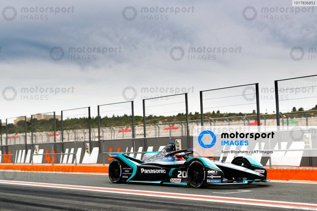Mitch Evans (NZL), Panasonic Jaguar Racing, Jaguar I-Type 4, leaves the pit lane