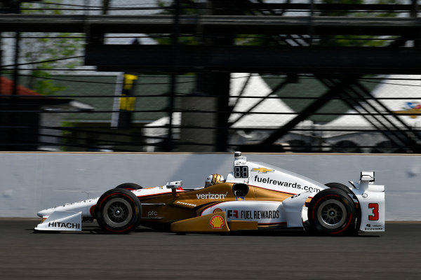 Verizon IndyCar Series Indianapolis 500 Carb Day Indianapolis Motor Speedway, Indianapolis, IN USA Friday 26 May 2017 Helio Castroneves, Team Penske Chevrolet World Copyright: Scott R LePage LAT Images ref: Digital Image lepage-170526-indy-8677