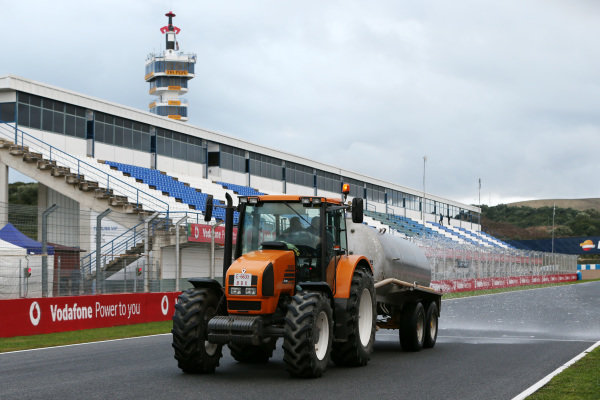 Tractor wets the track. Formula One Testing, Jerez, Spain, Day Two, Wednesday 29 January 2014.