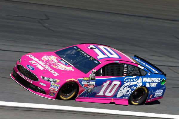 Monster Energy NASCAR Cup Series Bank of America 500 Charlotte Motor Speedway, Concord, NC Friday 6 October 2017 Danica Patrick, Stewart-Haas Racing, Warriors in Pink Ford Fusion World Copyright: Matthew T. Thacker LAT Images