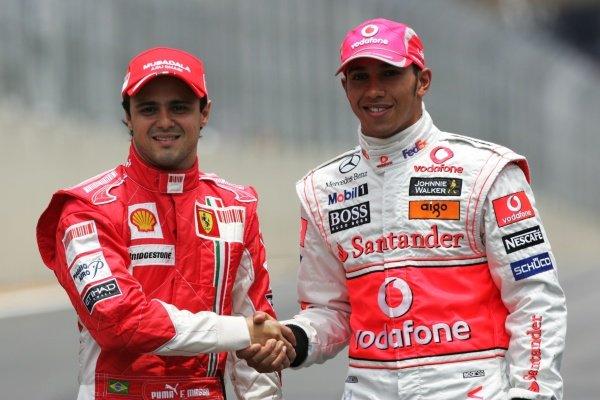 (L to R): Title rivals Felipe Massa (BRA) Ferrari and Lewis Hamilton (GBR) McLaren. Formula One World Championship, Rd 18, Brazilian Grand Prix, Race Day, Interlagos, Sao Paulo, Brazil, Sunday 2 November 2008.
