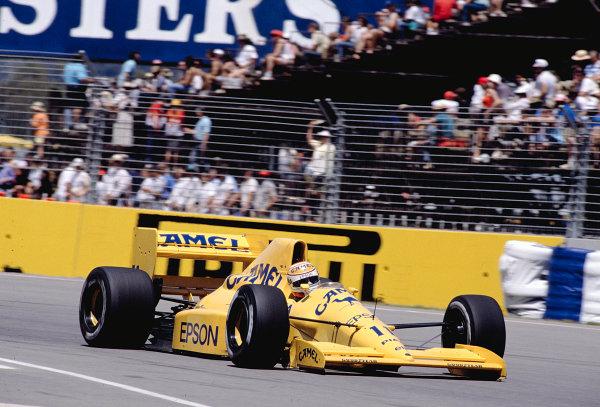 1989 Australian Grand Prix.Adelaide, Australia.3-5 November 1989.Nelson Piquet (Lotus 101 Judd).Ref-89 AUS 40.World Copyright - LAT Photographic