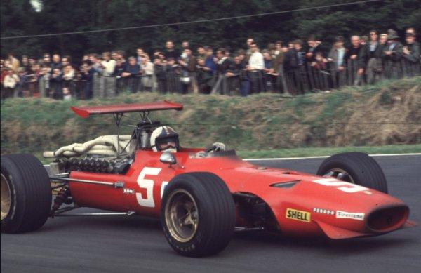 1968 British Grand Prix.Brands Hatch, England.18-20 July 1968.Chris Amon (Ferrari 312) 2nd position.Ref-68 GB 28.World Copyright - LAT Photographic