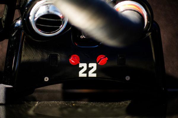 Simon Pagenaud, Team Penske Chevrolet, pit equipment