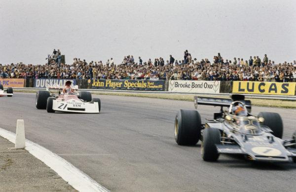 Emerson Fittipaldi, Lotus 72E Ford leads Niki Lauda, BRM P160E.