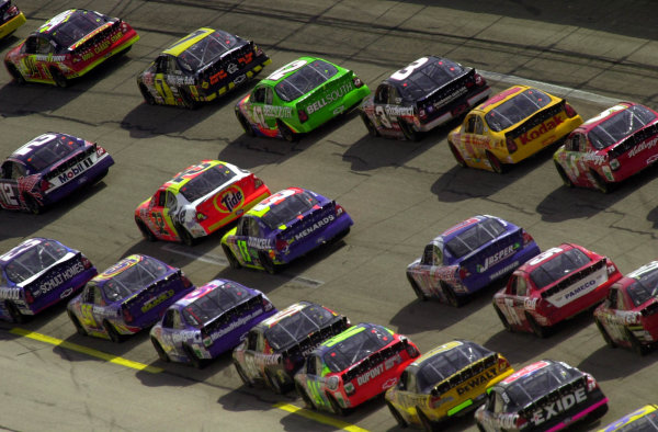 Cars race three abreast into turn 1 at over 190 mph.NASCAR DieHard 500 at Talladega Superspeedway 16 April,2000 LAT PHOTOGRAPHIC-F Peirce Williams 2000