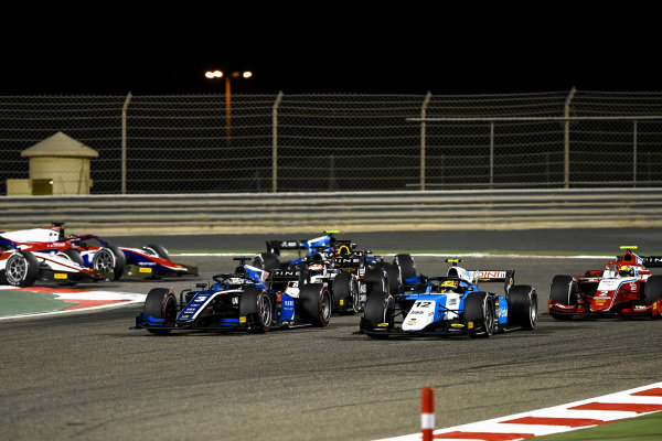 Guanyu Zhou (CHN, Uni-Virtuosi Racing), leads Lirim Zendeli (DEU, MP Motorsport), Oscar Piastri (AUS, Prema Racing), Christian Lundgaard (DNK, ART Grand Prix), and the remainder of the field