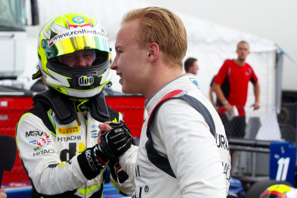 2016 BRDC F3 Championship, Snetterton, Norfolk. 6th - 7th August 2016. Ricky Collard (GBR) Carlin BRDC F3 and Nikita Mazepin (RUS) Carlin BRDC F3. World Copyright: Ebrey / LAT Photographic.