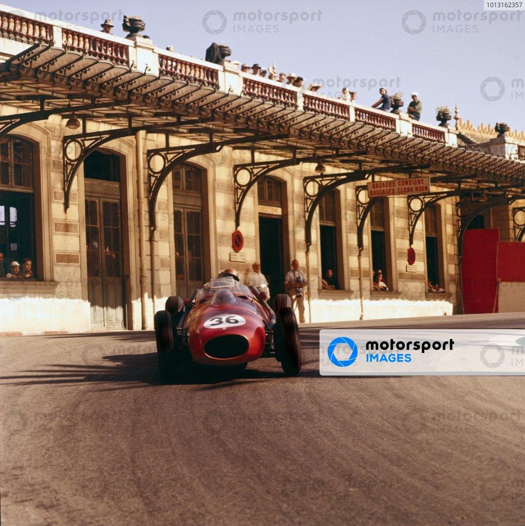1958 Monaco Grand Prix.Monte Carlo, Monaco.15-18 May 1958.Peter Collins (Ferrari Dino 246) 3rd position.Ref-3/0001.World Copyright - LAT Photographic